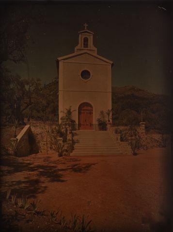 Autochrome Église, sud de la France, c. 1917...