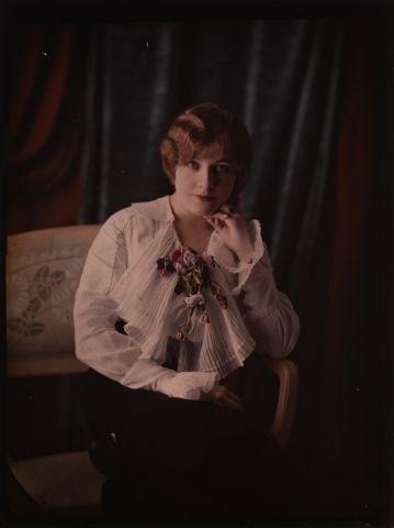 Autochrome Portrait de femme, c. 1917 Plaque...