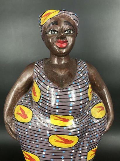 BAOULÉ, Côte d Ivoire BAOULE, Côte d Ivoire  Grande statue colon d'une femme...