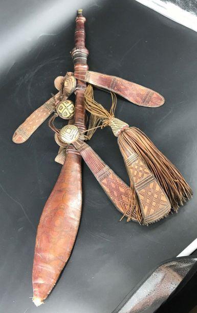 MANDINGUE, Mali MANDINGUE, Mali  Sabre traditionnel avec belle lame européenne...