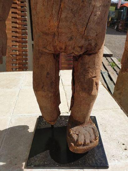 GHANA GHANA  Statuette anthropomorphe. Groupe en bois anciennement polychrome. H:...