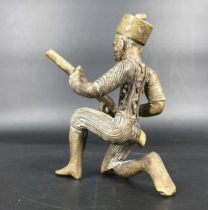 Bénin, travail moderne Bénin, travail moderne  Bronze d'un tirailleur sénégalais....