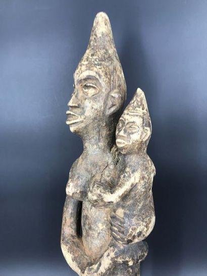 COTE D IVOIRE Cote d Ivoire  Figure de MaternitéKoulango. H: 50 – L: 13 cm ...