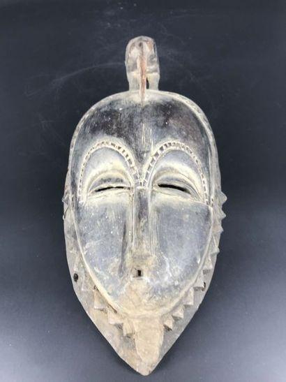 COTE D IVOIRE Cote d Ivoire  MasqueGouro. Masque aux traits anthropomorphes caractéristique...