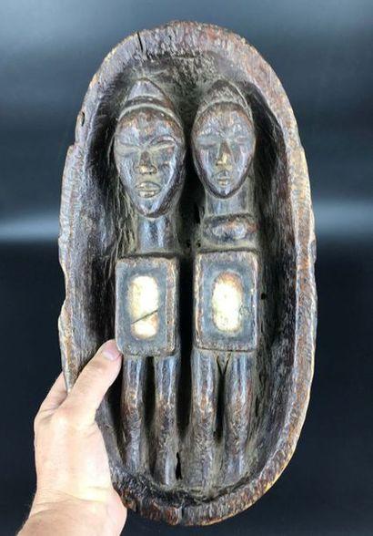 DOGON MALI Dogon Mali  Fétiche Dogon figurant un couple d'ancêtres dans une Barque,les...