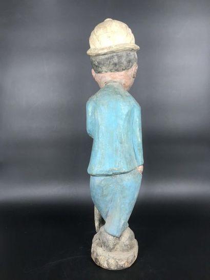 COTE D IVOIRE Côte d Ivoire  Statue de colon en bois polychrome représentant un chasseur...