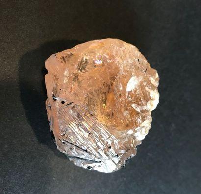 MORGANITE, Corrego do Urucum, Galileia, Minas Gerais, Brésil (5 cm, 83 g) : cristal...