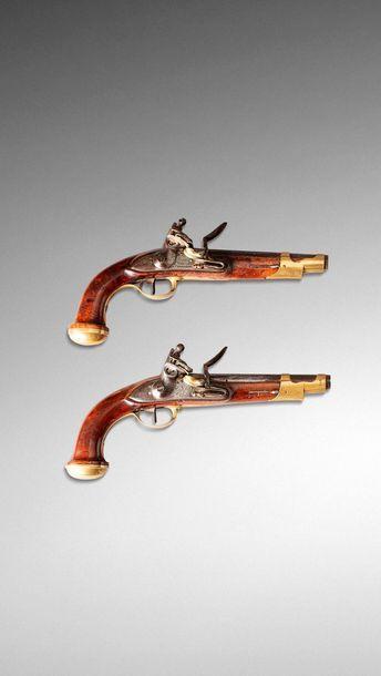 Deux pistolets de Garde du Corps du Roi modifié...