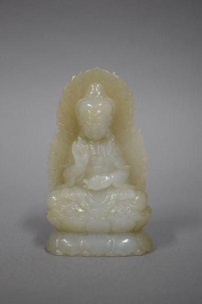 CHINE -  Statuette de bouddha en néphrite...