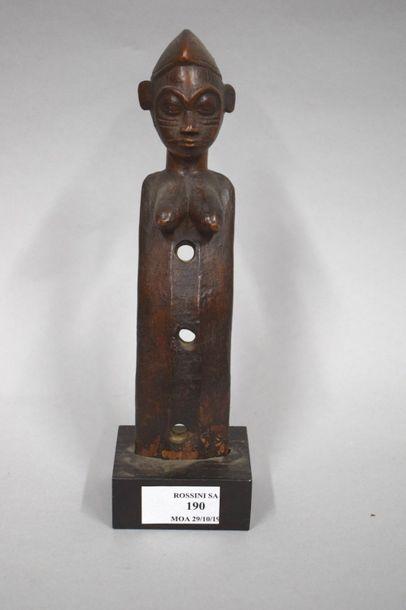 Haut de harpe à l'effigie d'une jeune femme...