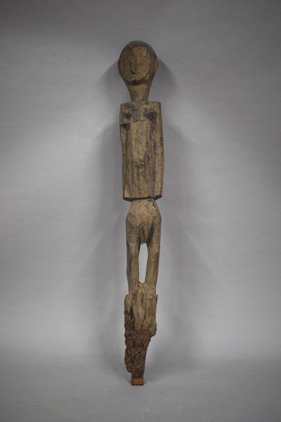 Poteau Tiv, Nigéria représentant un personnage...