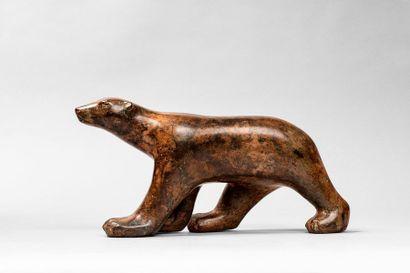 CHENET Pierre CHENET Pierre, XX ème  Ours marchant  bronze à patine brun beige nuancée,...