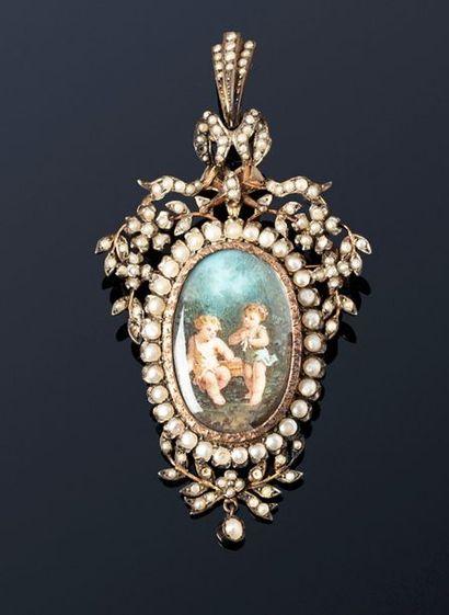 Broche pendentif en argent, ornée d'une miniature...