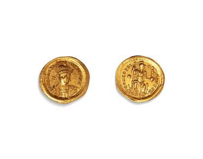 HONORIUS (393.423)  Solidus or. Constantinople....