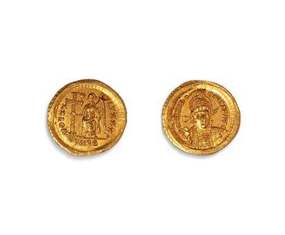 THEODOSE II (408.450)  Solidus or. Constantinople....