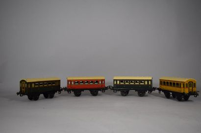 HORNBY « O » : 4 voitures voyageurs à essieux 1ère classe - 2ème classe et 3ème...
