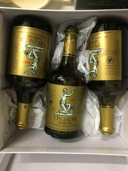 3 bouteilles VIN JAUNE ARBOIS, H. Maire...