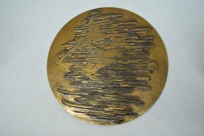 ARTHUS BERTRAND  Grande médaille en bronze...
