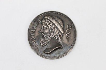 Médaille en argent.  Avers profil gauche...
