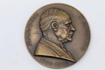 Médaille en bronze.  Avers : AUGUSTIN DAMIENS...