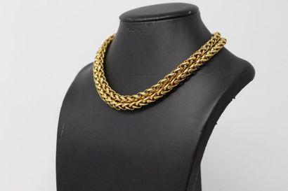 Collier en métal doré à double rangs de mailles...