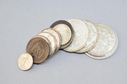 Lot de pièces en argent comprenant :  50...