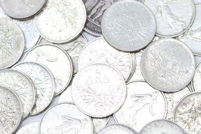 Lot de pièces en argent comprenant :  - 48...