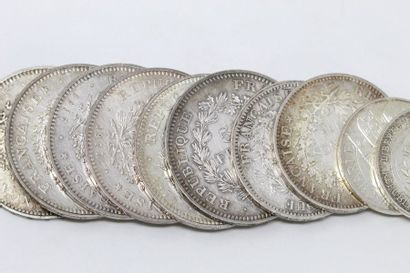 Lot de pièces en argent comprenant :  - 2...