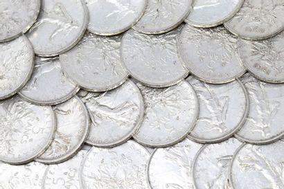 Lot de 77 pièces en argent de 5 Francs type...