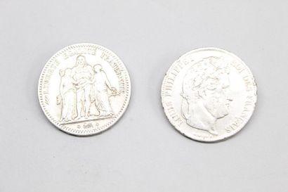 Deux pièces en argent de 5 francs montées...