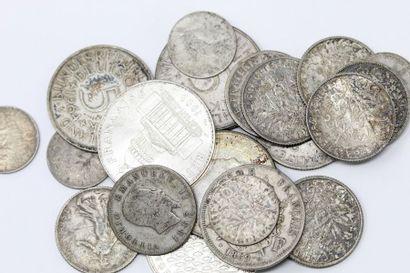 Ensemble de pièces de monnaie en argent majoritairement...