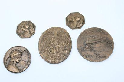 Ensemble de 5 médailles en bronze.  Circa...