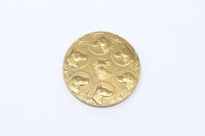 L.Cariat  Médaille en bronze à patine doré...