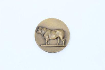 V.Peter  Médaille représentant une vache...