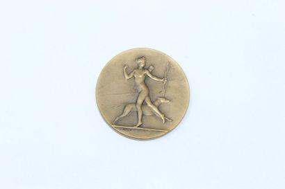 V.Peter  Médaille en bronze à patine brune...