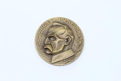 Olga Niewska  Médaille uniface en bronze...