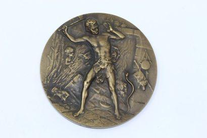 J. Lorieux  Médaille en bronze à patine brune...