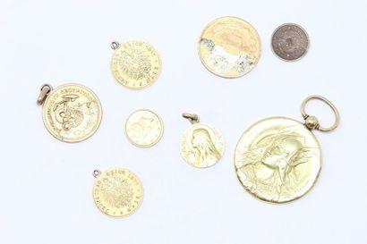 Lot en or jaune 18k (750) comprenant des...