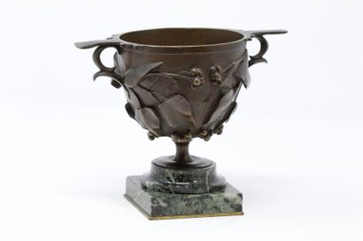 Coupe en bronze et en marbre de style art...