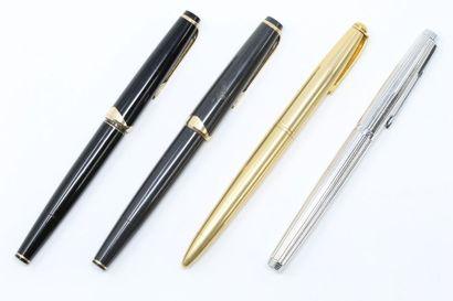 Lot de deux stylos MONTBLANC plume en or....