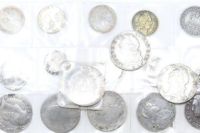 Lot de pièces en argent composé de : - Un...