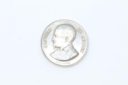 Médaille en argent.  Avers : profil gauche...