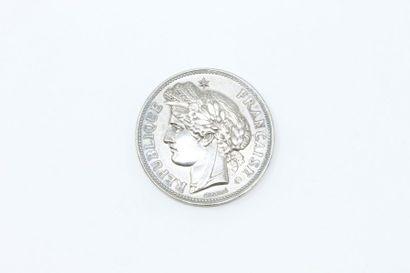 Médaille en argent.  Avers : RÉPUBLIQUE -...