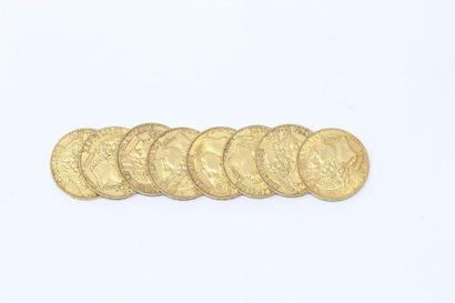 Ensemble de huit pièces en or de 20 francs...