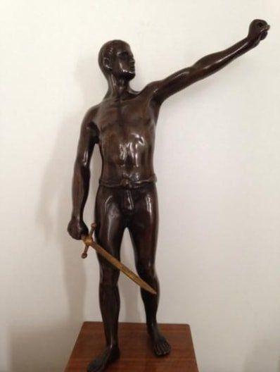 SCILFI  Guerrier à l'épée  bronze à patine brune, dorée pour l'épée (manques), socle...