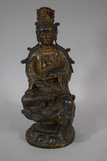 CHINE, XXème siècle  Statuette de Guanyin...