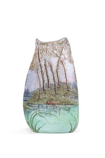 LEGRAS  Vase ovoïde à col tripode étiré à...