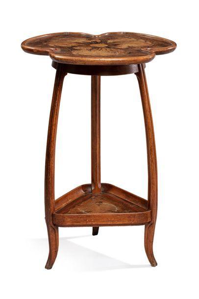 Louis MAJORELLE (1859-1926) Table tripode...