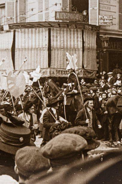 PHOTOGRAPHIE AMATEUR. Carnaval Paris 1911, défilé de peintres (sur les thèmes de)....