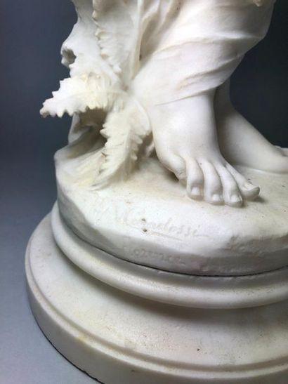 CARADOSSI Vittorio, 1861-1918, d'après  Baigneuse au drap,  sculpture en albâtre...